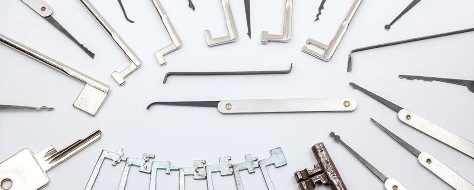 Ganzuas y otras herramientas utilizadas en cerrajería